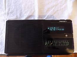 Proton 320雙鬧鐘數字時鐘AM / FM台收音機HiFi Audiophile Vtg 1980s
