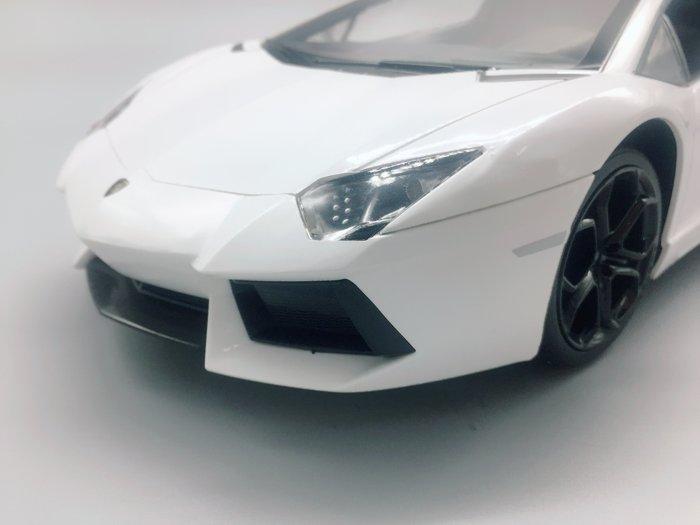 阿莎力 1:14 藍寶堅尼 蠻牛 大牛 LP700 LAMBORGHINI Aventador 白色
