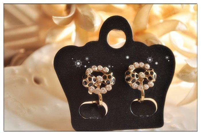 玫瑰森林-- ☆°* 美麗嚴選~ 精緻甜美 可愛的黑色點點蝴蝶水鑽圈 耳夾式 無耳洞耳環(特價)