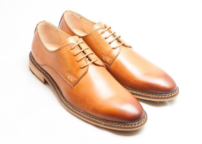 素面德比鞋:手工上色小牛皮真皮木跟男鞋皮鞋-焦糖色-免運費-[LMdH直營線上商店]B1A15-80