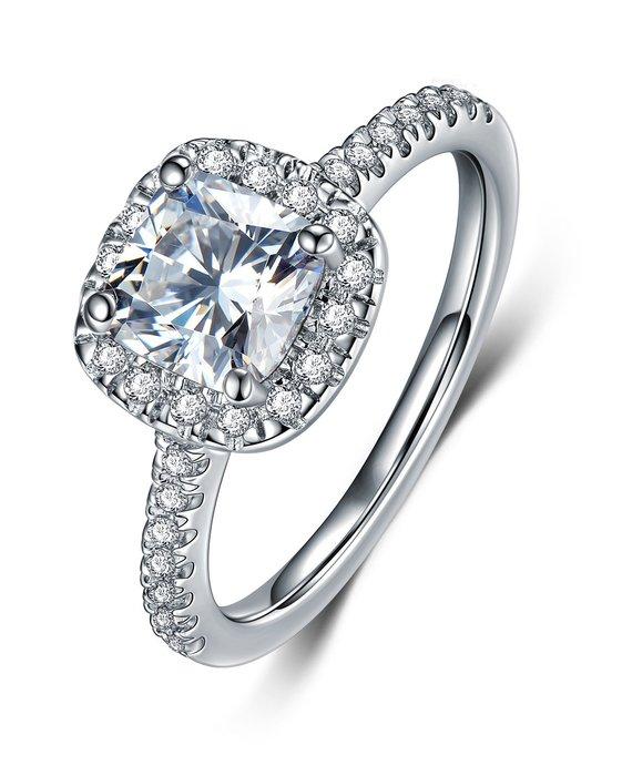 拍賣歐美專櫃純銀戒指 微鑲飾品 主鑽1克拉方鑽包邊高碳鉆石 定制鉑金18K純銀戒指 高碳仿真鑽石  FOREVER鑽寶
