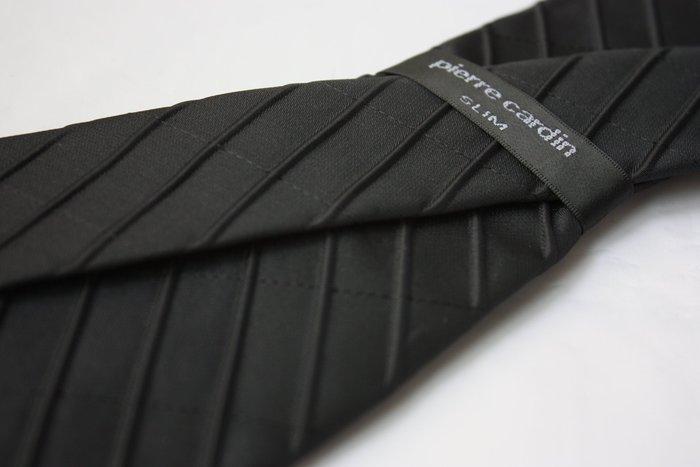 【Pierre Cardin】全新正品 斜紋領帶-黑色【窄版6.5cm】*領帶兩條95折三條9折*NEW*P47