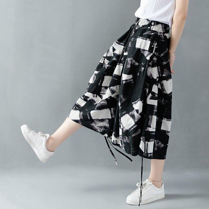 [C.M.平價精品館]品味有型百搭舒適鬆緊腰圍調節造型綁帶黑白色系雙口袋寬管七分褲