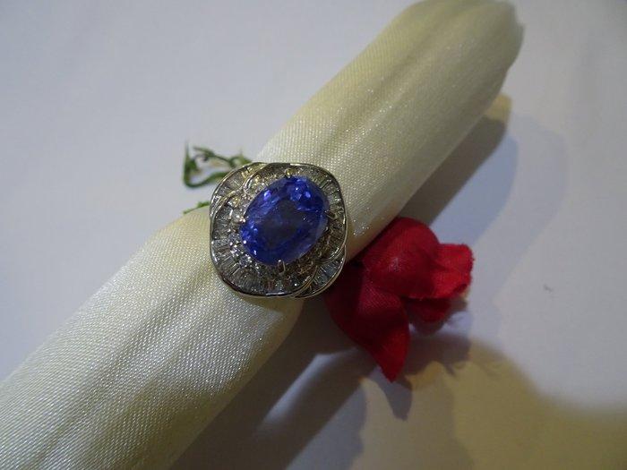 賠售換現華麗城堡鑲5.33克拉 緬甸無燒天然 藍寶石配鑽0.77克拉PT900純白金鑽戒附鑑定書