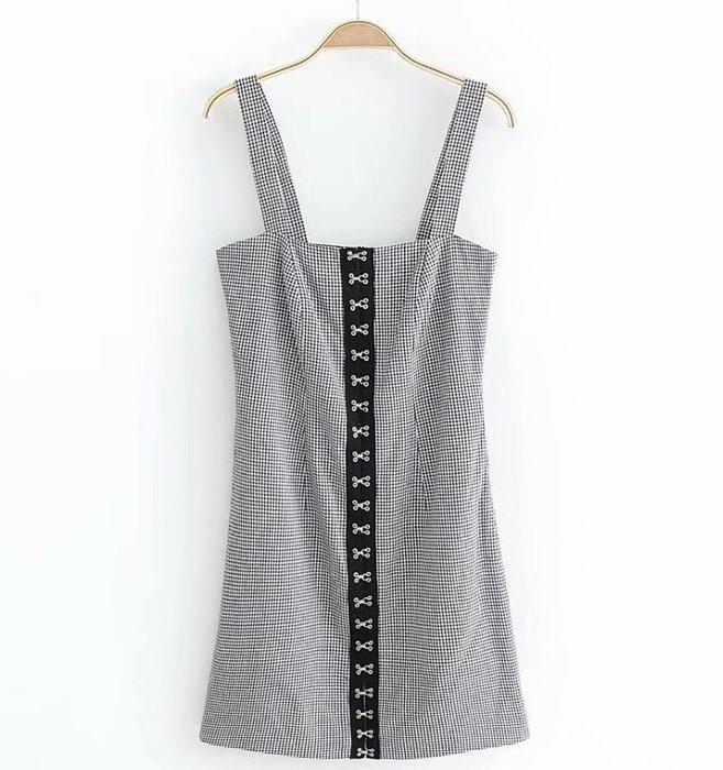 *TOMA*J1621 歐美經典時尚感 黑白格子格紋 前排黑底銀鉤 方領肩帶吊帶 A字裙短裙洋裝