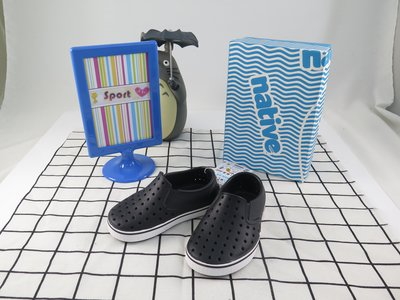 雨天必備 ! 【iSport愛運動】Native MILES CHILD 童鞋 洞洞鞋  131046001105