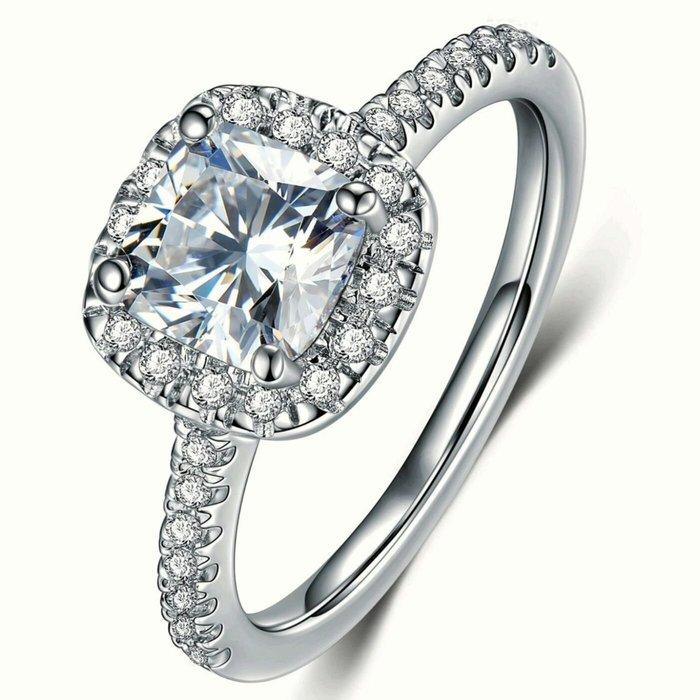 新年彩鑽求婚專櫃925純銀包白金戒指微鑲主鑽2克拉方鑽包邊高碳鑽石肉眼看是真鑽 超低價鉑金18K高碳仿真鑽石莫桑鑽寶特價