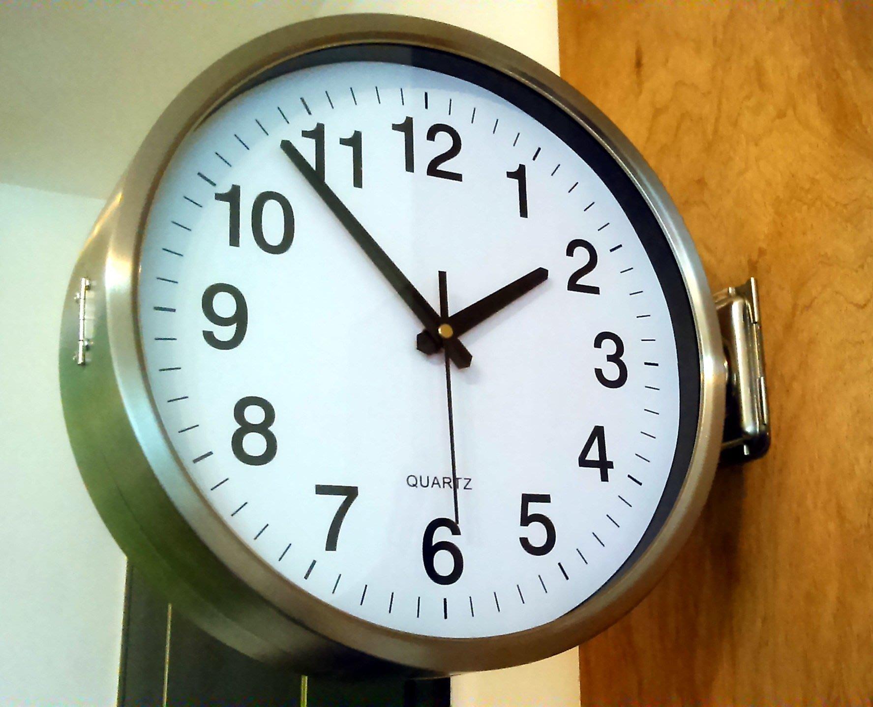 鎏時空間《國鐵雙面車站鐘-全不鏽鋼款-現代双面造型鐘 雙面鐘‧(鐘面直徑-30公分) 》