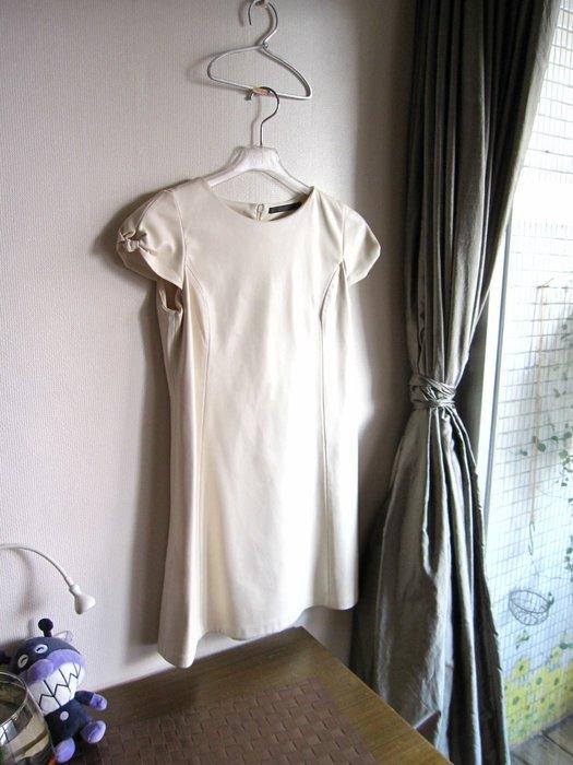 zara 秋冬款顯瘦乳白色仿皮洋裝 L