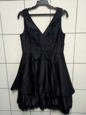(愛莎&嵐) HER&HIM 鴿子服飾 無袖亮黑色腰前蝴蝶結深V小禮服/F 1070731