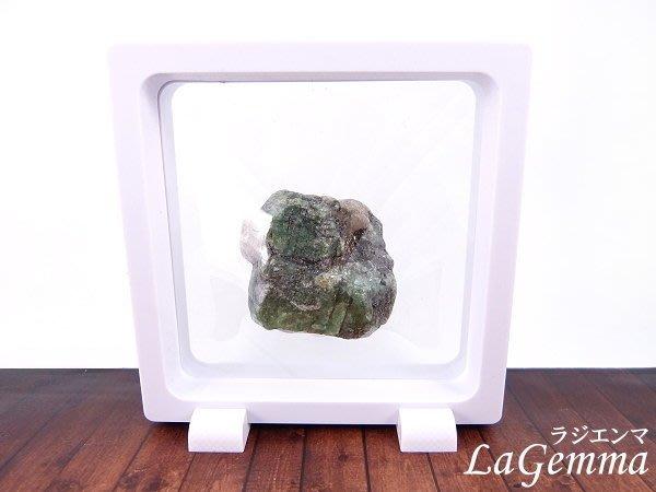 【寶峻水晶】新品~最新穎的時尚居家裝飾【漂浮寶石相框】天然寶石祖母綠原礦 FF-41 晶品展示架~方形白色相框可打開更換