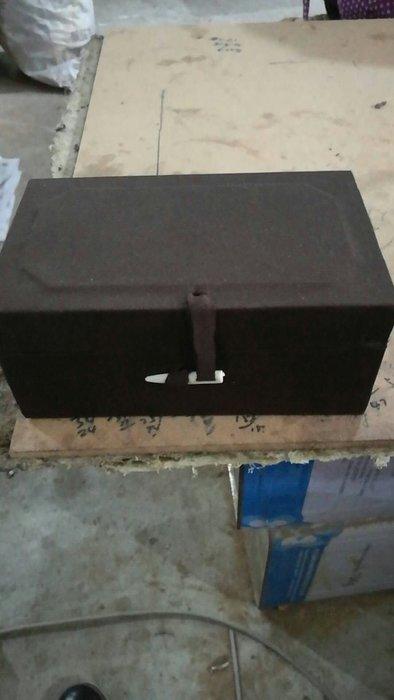 【壽山石居】純手工製作~定做錦盒的顏色選擇