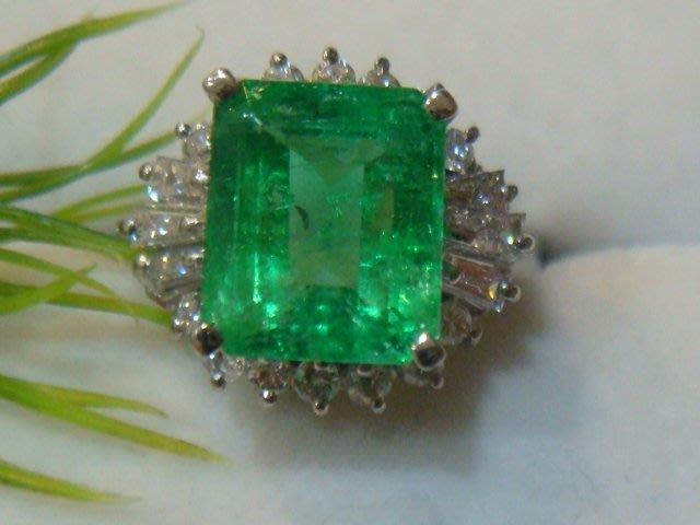 低價換現 天然哥倫比亞祖母綠3.20克拉配鑽0.70克拉pt900純白金鑽戒