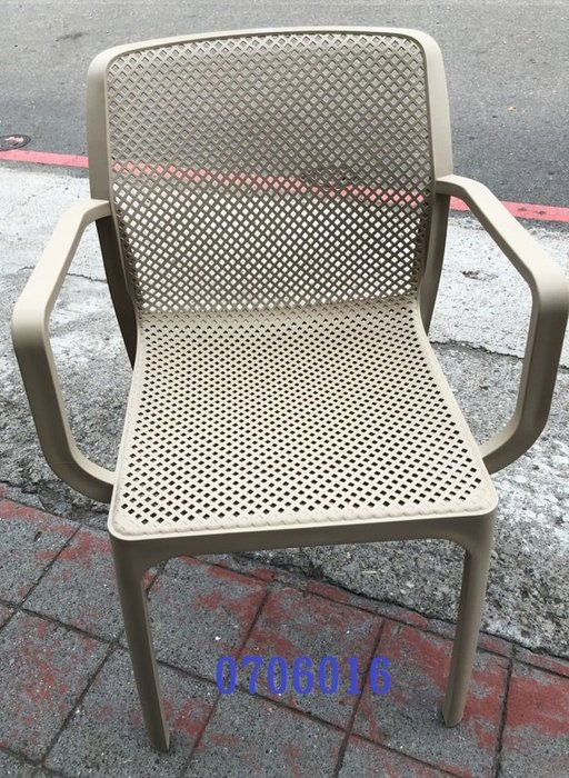 【吉旺二手家具生活館】零碼/庫存 淺卡其色餐椅 辦公椅 電腦椅 吧台椅 洽談椅 休閒椅-各式新舊/二手家具 生活家電買賣