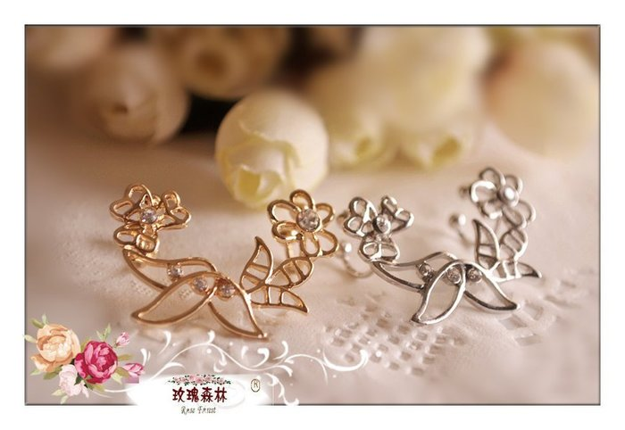 玫瑰森林-- ☆°*美麗嚴選~ 優雅精緻的 水鑽 花草 耳骨夾式 無耳洞耳環(單只)