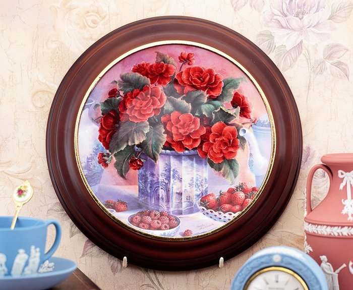 【吉事達】家中盤不知如何展示嗎? 此款木製盤框適合Wedgwood可用於直徑21公分裝飾瓷盤