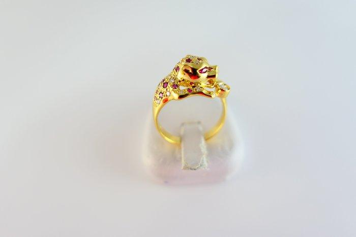 [吉宏精品交流中心]天然鑽石 天然紅寶石 豹 造型 戒指(類CARTIER)