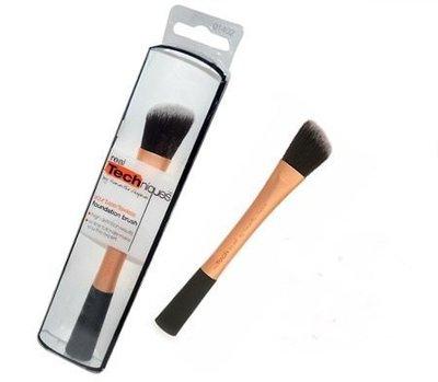 【愛來客 】英國Real Techniques Foundation Brush 專業斜角粉底液刷 彩妝刷化妝刷