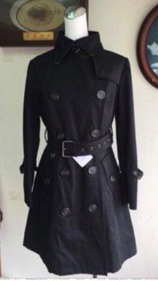 Burberry 黑色中長版風衣(風衣內襯有可拆卸夾棉!厚、薄可自行替換~)特價中!