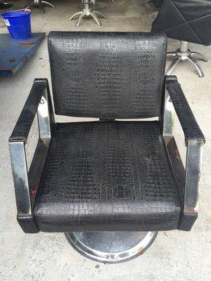 【全國二手傢俱館】塞繆爾多功能美髮椅/中古美髮椅/二手美髮椅/美容美髮用具/美容椅/