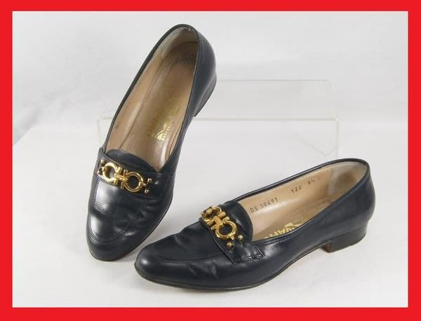 精品大師-FERRAGAMO-GANCINO藍黑色牛皮低跟包鞋5.5D/市價16000-二手真品
