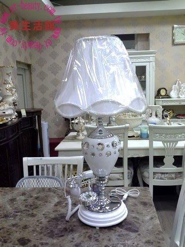 OUTLET限量低價出清-全新 古典風格---白陶  檯燈 古董電話 兩用 擺飾 桌燈 邊几擺飾