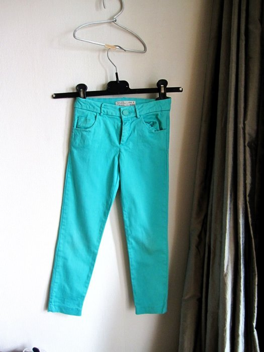 Zara Girls 正品  好漂亮的綠色長褲 6y 116cm