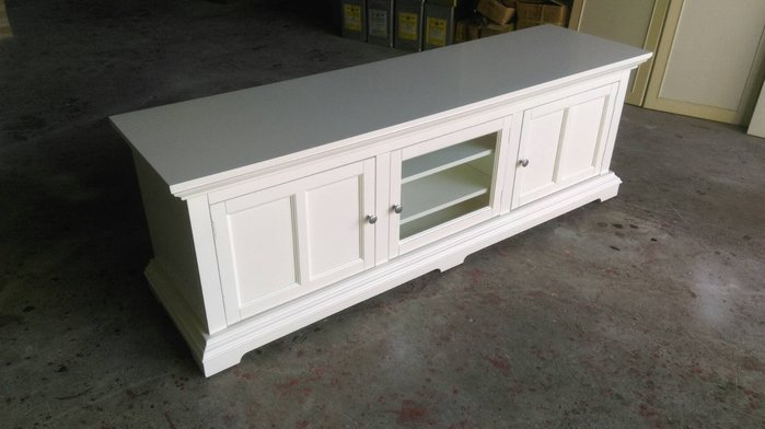 OUTLET限量低價出清浪漫白色家具--全新蜜亞 三門電視櫃 本月促銷 優惠13000元