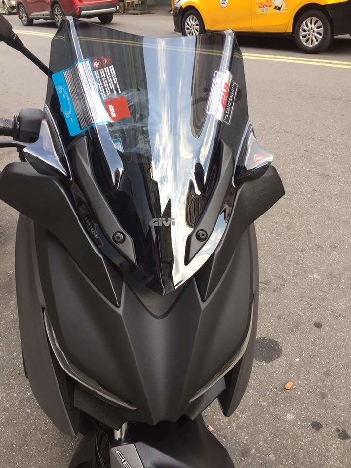 台北先鋒 MAX 300 專用  短風鏡  GIVI  義大利製 安裝價 4200
