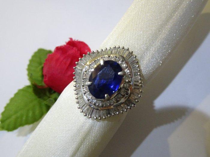 賠售換現華麗城堡鑲2.50克拉 緬甸無燒天然 藍寶石配鑽1.20克拉PT900純白金鑽戒附鑑定書