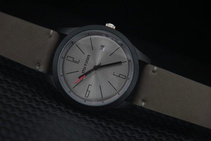 艾曼達精品~mitina軍風pilot style飛行風戰鬥機儀錶板,造型石英錶,清晰高反差刻度日期視窗