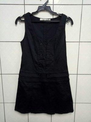 (愛莎&嵐) HER&HIM 鴿子服飾 無袖黑色V領雙排釦洋裝/F 1070731