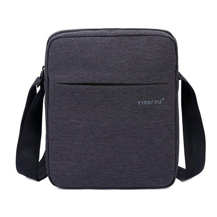 【橘子包舖】男用側背包 防刮防水牛津布 可放平板[T5102]