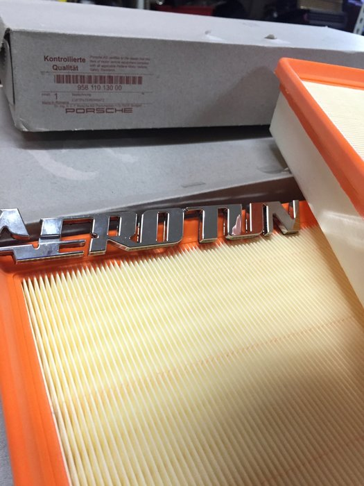 AEROTUN PORSCHE CAYENNE 原廠空氣濾清器(空氣芯) 料號:95811013000。