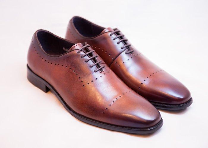 雕花牛津鞋:手工上色小牛皮真皮木跟皮鞋男鞋-咖啡色-免運費-[LMdH直營線上商店]E1A24-89