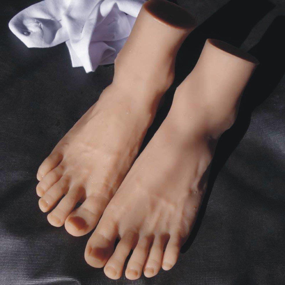 【客滿來】42碼男腳模型模特/一只 模擬足模 仿真腳模 鞋子襪子腳部寫真 白襪子帥哥 鞋襪拍攝道具腳部特寫AWEN