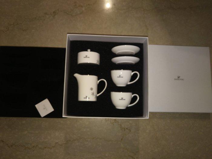 (全新~情人節生日禮物)施華洛世奇 咖啡杯盤 下午茶組 限量水晶(附原廠白色包裝盒)/(另化妝鏡筆)