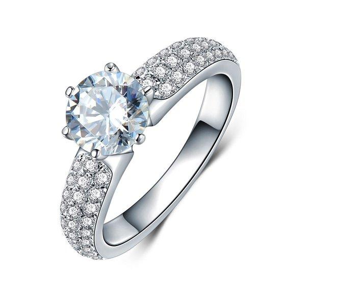特價出清鑽戒1克拉 求婚 結婚高仿真鑽石手飾 歐美豪華高檔微鑲純銀戒指   FOREVER鑽寶