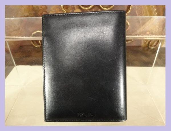 精品大師-PRADA-黑色小牛皮6卡短夾/市價13200-二手真品