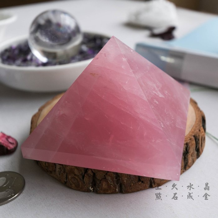 『上久水晶』特大款天然粉晶金字塔_406g__超強能量水晶