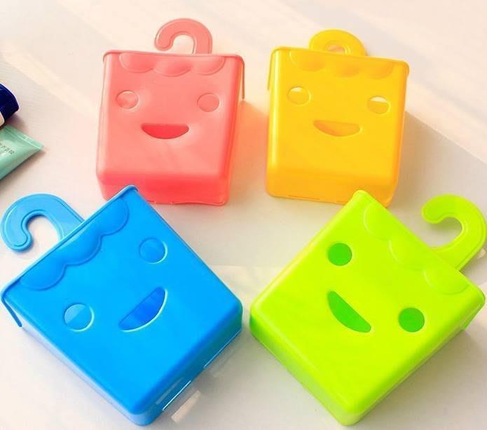 可愛笑臉掛勾式萬用掛籃/收納置物盒/瀝水籃/浴室收納籃/化妝品收納盒/文具收納桶