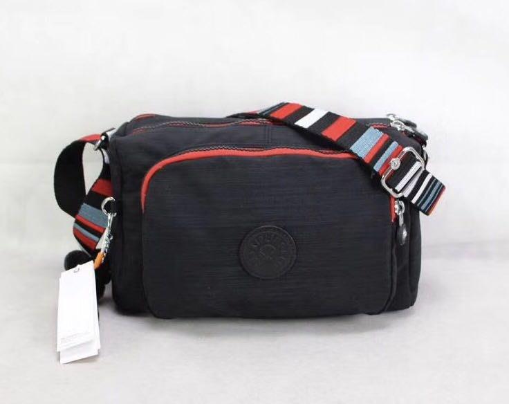 Kipling 猴子包 K12969 亞麻黑 彩色背帶 輕量輕便多夾層 斜背肩背包 防水 限時優惠