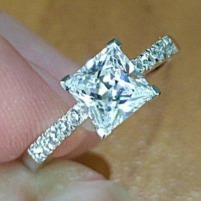 極光仿真鑽石高碳鑽戒1克拉 公主方微鑲...