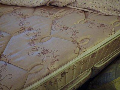 尊爵床墊~3線上墊3CM純天然乳膠護背日式特殊鋼硬式護背加強獨立筒床墊加大6尺