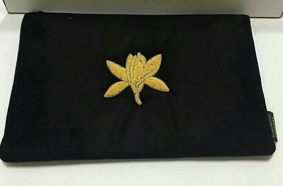 Chanel 香奈兒 金色山茶花刺繡造型絨布化妝包 黑色