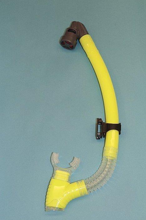 ~黑 坊~ kingdom #245SD矽膠乾式呼吸管. 先進捏壓耳扣.蛙鏡帶 或脫離都輕