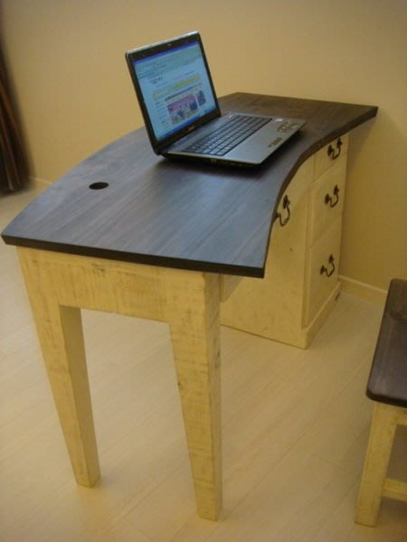 原木工坊~原木家具訂製規劃  粗磨感雙色書桌椅組
