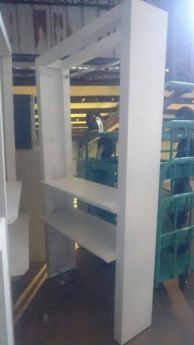 ㊖華威搬家=更新二手倉庫㊖中古 白色造型服飾店 掛衣架 展示台 置物櫃租借/劇組/外拍戲劇 隔間櫃玄關櫃收納掛衣架吊衣架