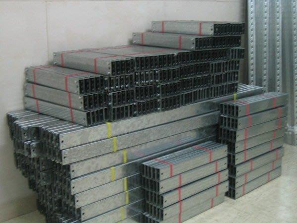 [全省配送]推薦給大家~鍍鋅水族免螺絲角鋼超方便的,一個人+橡膠槌就能組裝....