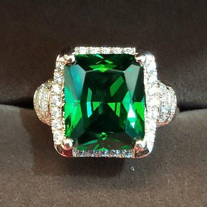 祖母綠4克拉鑽戒豪華款 貴婦必備求婚 結婚 情人節聖誕節派對禮物 鑽石高仿真鑽石純銀包18k金戒指首飾鑽寶